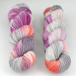 JulieSpins, M375 // Silver Carnation