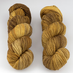 JulieSpins, M375 // Honeybear