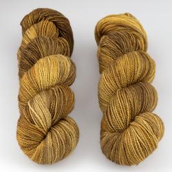 JulieSpins, M375 // Honeybear at  The Loopy Ewe