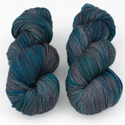 Magpie Fibers, Swanky Sock // Empty Night