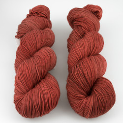 Knerd String, Fingering Weight // So Foxy B
