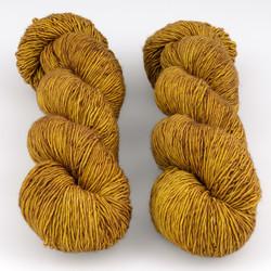 The Uncommon Thread, Everyday Singles // Golden Praline