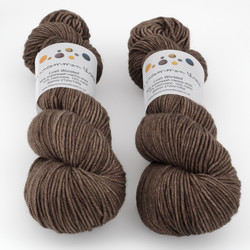 The Uncommon Thread, Lush Worsted // Squirrel Nutkin at  The Loopy Ewe