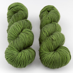 The Uncommon Thread, Lush Worsted // Botany at  The Loopy Ewe