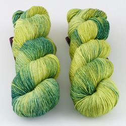 JulieSpins, Stella // Seedling