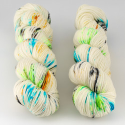 Townhouse Yarns, Grafton 4-ply // Flash Drive at  The Loopy Ewe