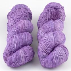 JulieSpins, Euro Fingering 820 // Lilac