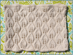 Luce Cowl* at  The Loopy Ewe