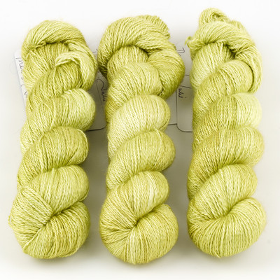 JulieSpins, Cashmere Silk Lace // Pear Green