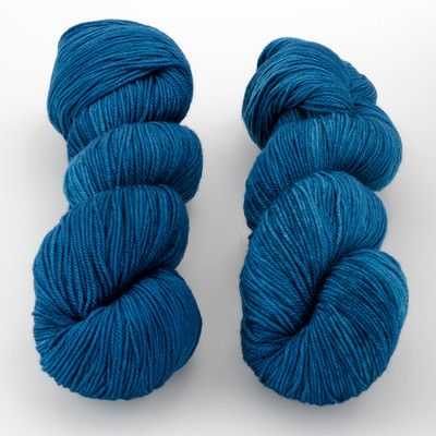 Dream in Color, Smooshy with Cashmere // Atomic Blue