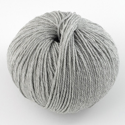 Cascade, 220 Superwash // 1946 Silver Grey Heather
