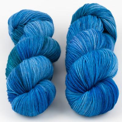 JulieSpins, MCN 430 // Blue Clematis