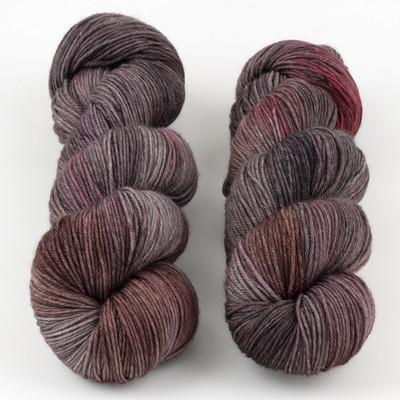 JulieSpins, MCN 430 // Leatherbound