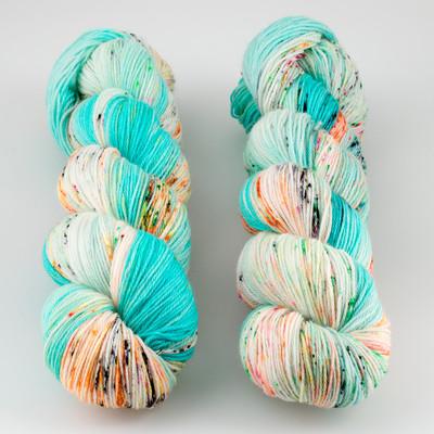 Hedgehog Fibres, Sock Yarn // Beach Bunny