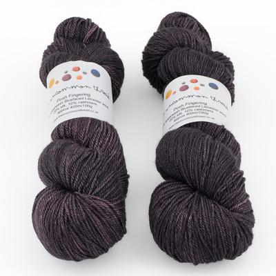 The Uncommon Thread, Posh Fingering // Aged Merlot