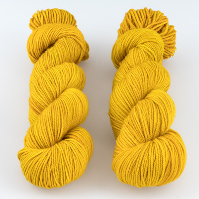 The Uncommon Thread, Lush Worsted // Beeswax