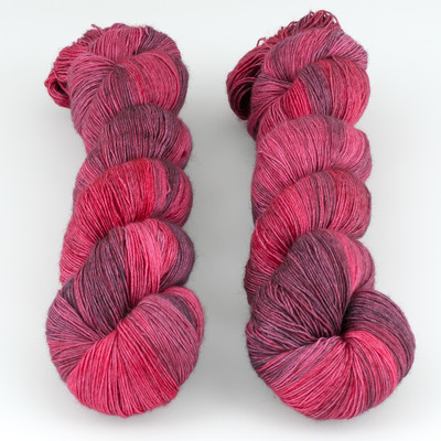 Dream in Color, Jilly Lace with Cashmere // 031 Raspberry Blaze
