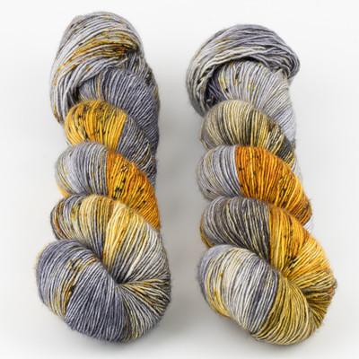 Uschitita Fibre Art, Merino Singles // Grounded