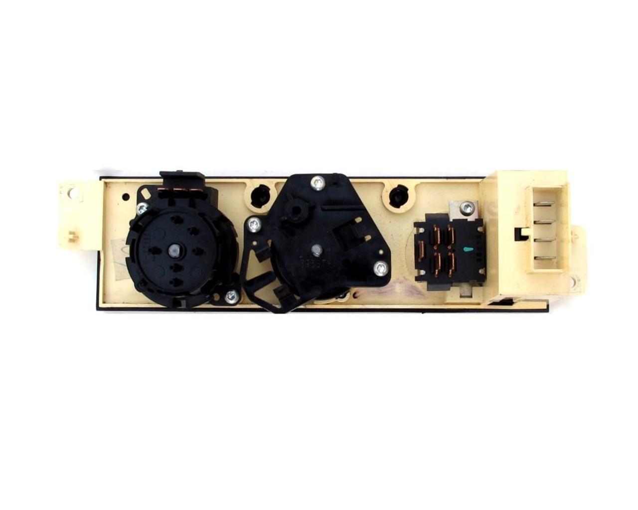 1997, 98, 99 Camaro Dash Control Unit - GM (16216451) Rear