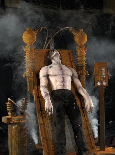 Frankensteins Assault Professional Animatronic