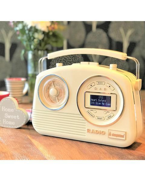 STEEPLETONE PORTABLE DAB AND ANALOGUE RADIO CREAM