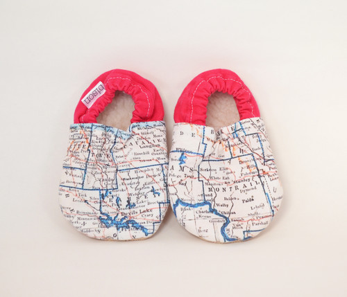 Pink // Hometown North Dakota Bison Booties 12-18 months