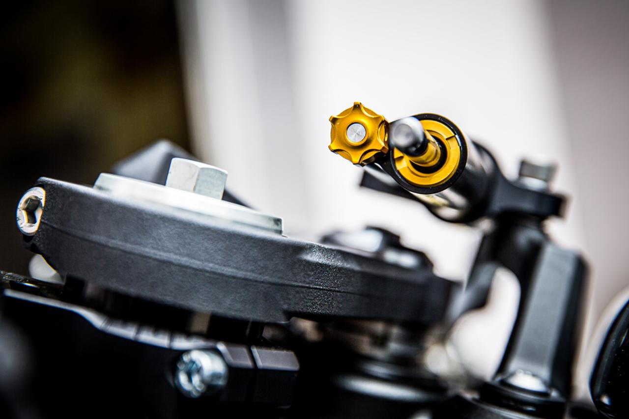 ZX6R Ohlins steering damper black adjustment knob