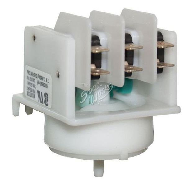 4 FUNCTION GREEN CAM AIR SWITCH - PATMCG311A