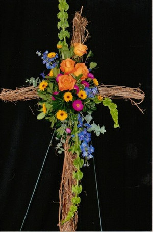 FLORAL CROSS 16