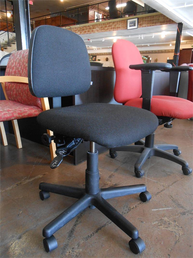 Black Fabric Task Chair