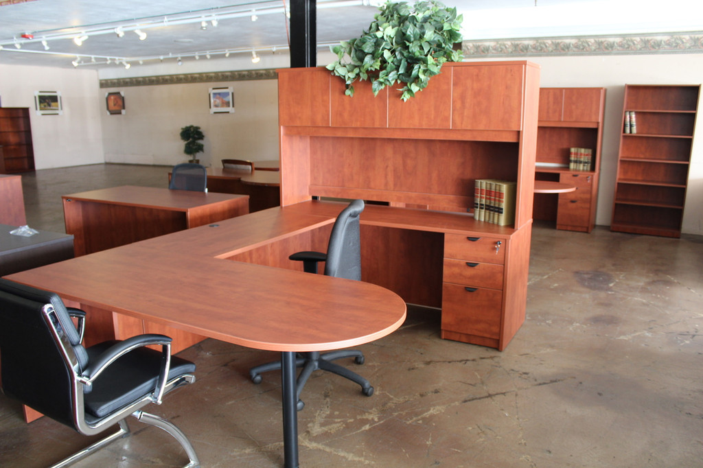 Bullet U-shaped desk  Cherry