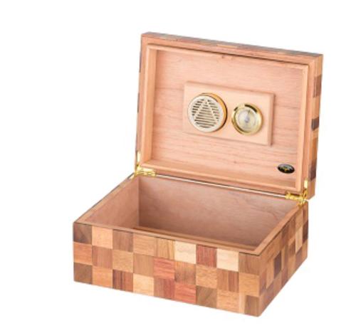 Checkered Humidor for 50 Cigar