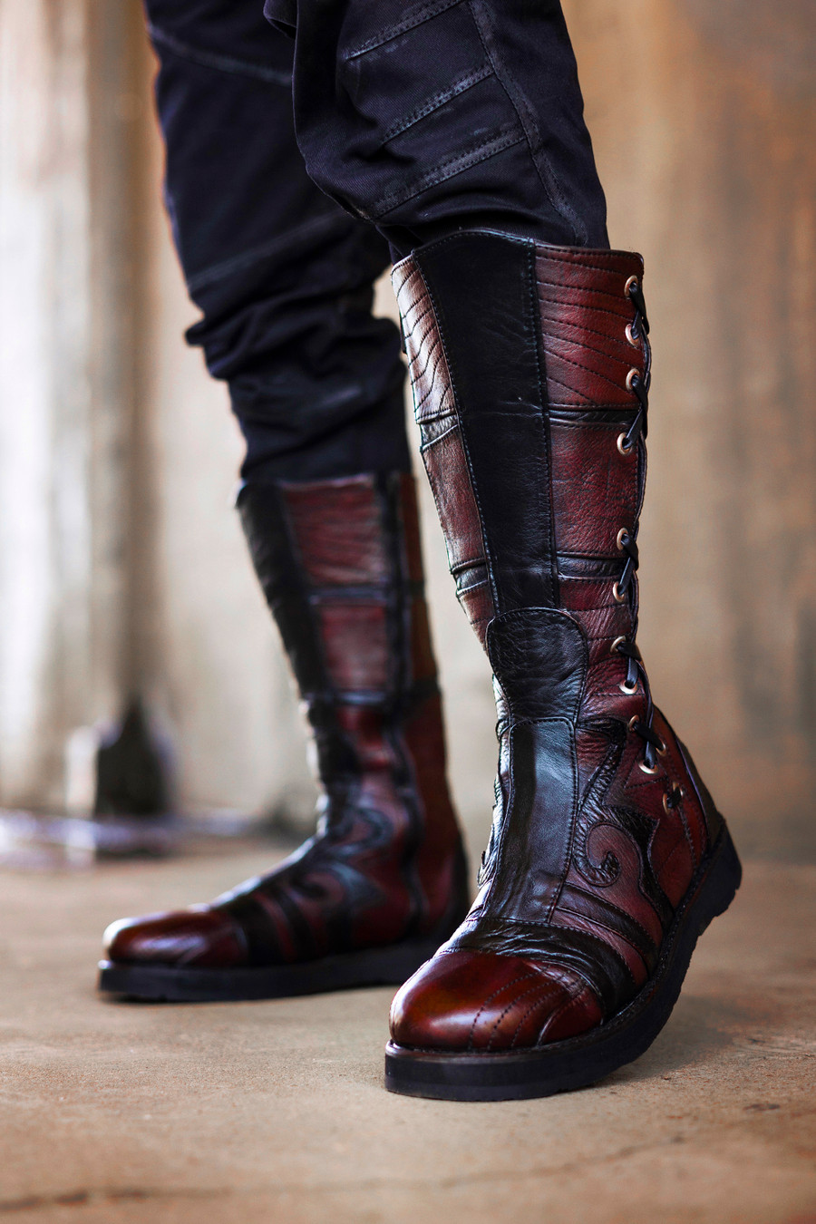 Spiral Moto Boots in Giant's Blood / Black with Silver Hardware
