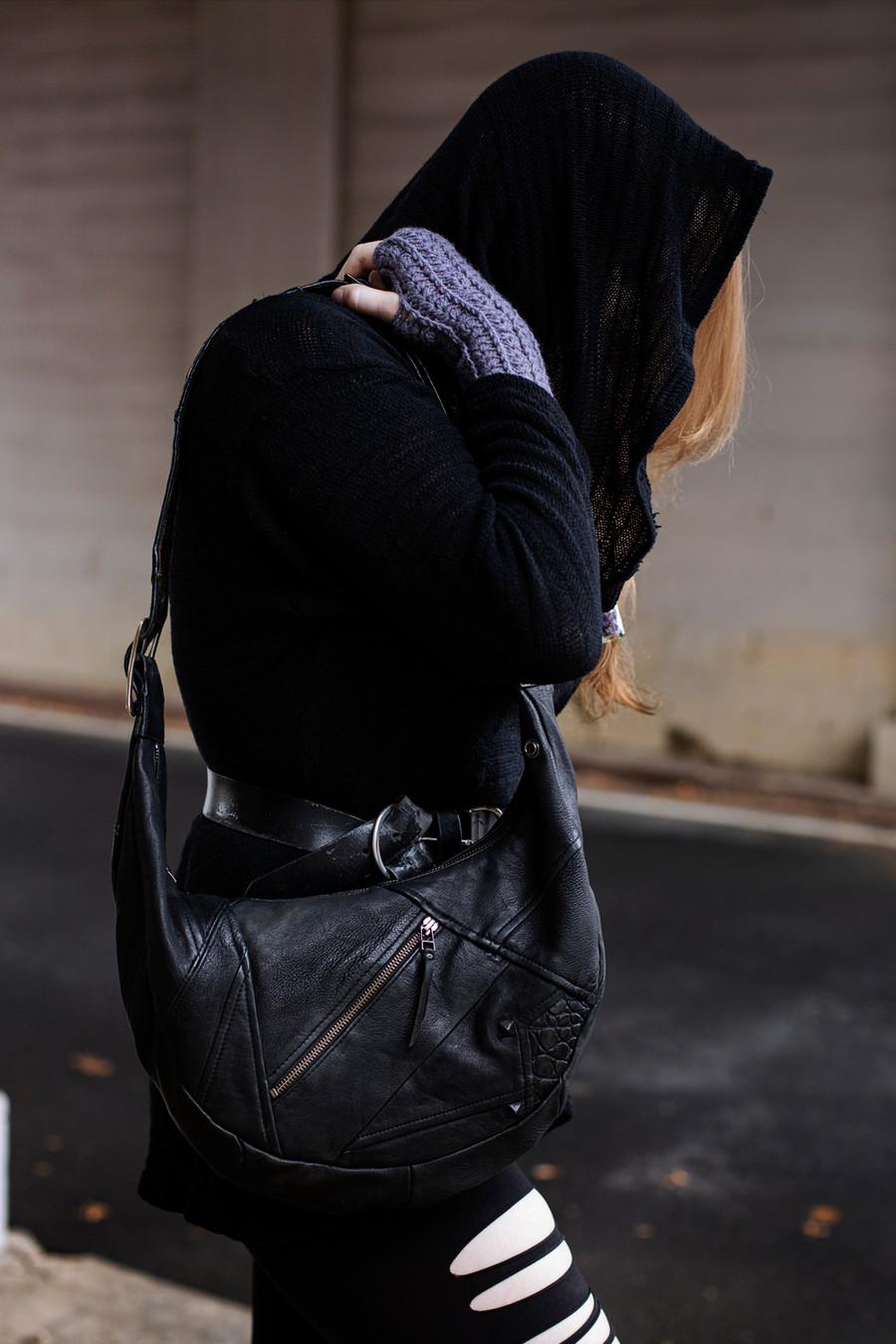 Order 34 Shoulder Bag