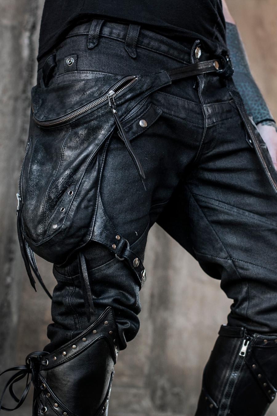 Valiant Leather Hip Stash