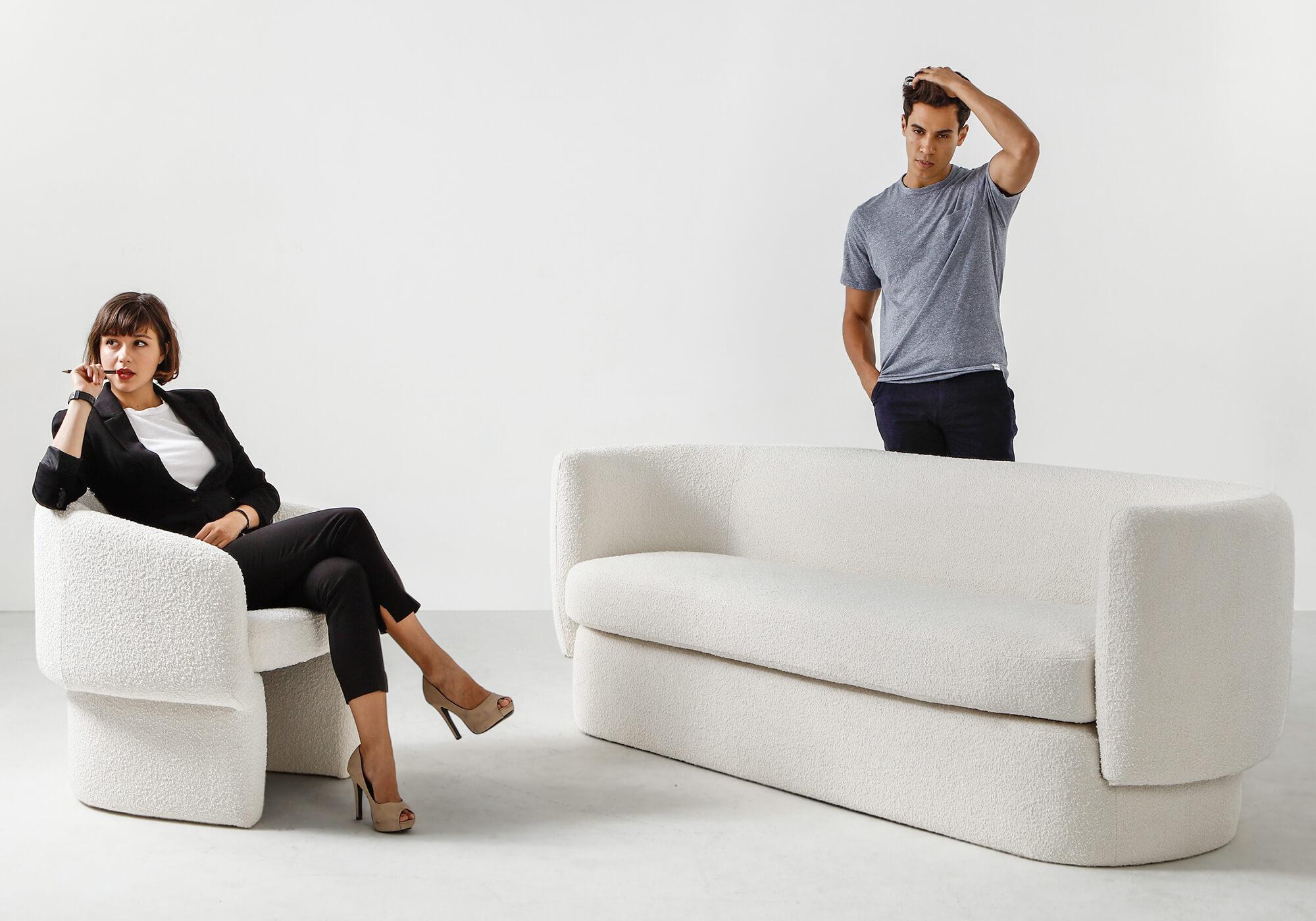 Swagger 3 Ovie Blank Elegant Sofa