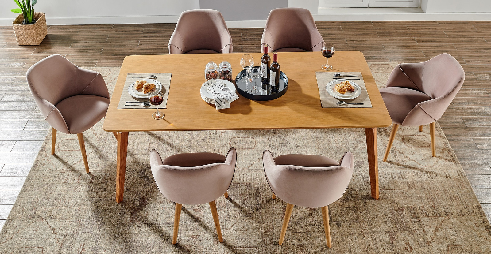 How To Pick The Perfect Modernist Dining Table