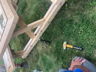 4-inch arrowheads secure picnic table