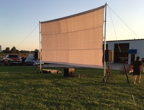 Anchor outdoor movie screen with PE18