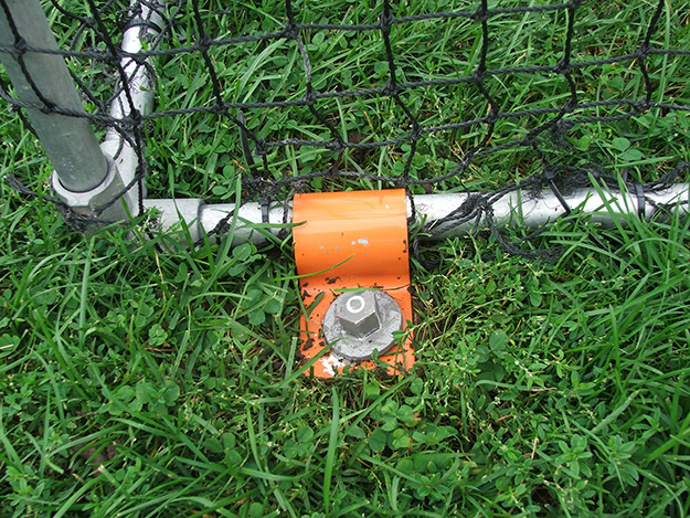 Secure sports nets with Penetrators and brackets