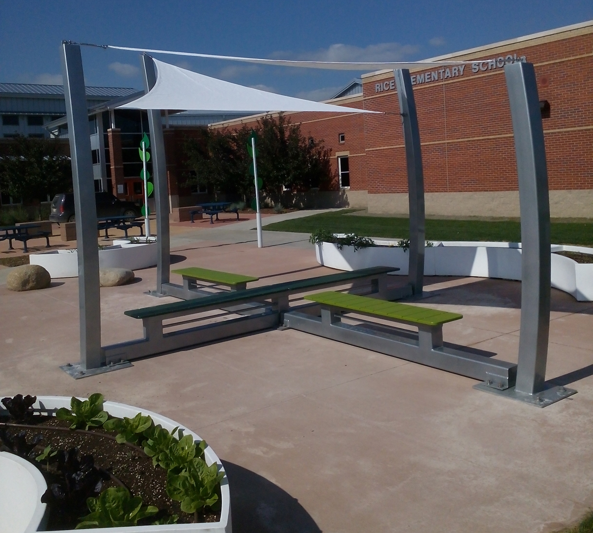 Secure shade sail structure with Penetrators