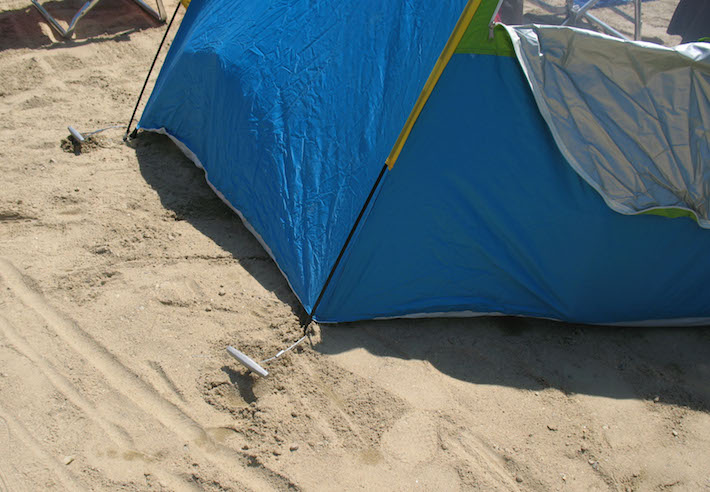Anchor shelters and tents in sand with Penetrator anchors