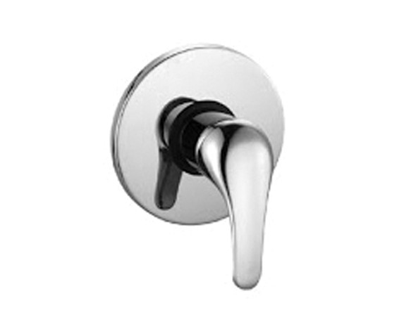 Traditional washer design - Manufactured from high quality solid brass with a highly polished chrome finish.