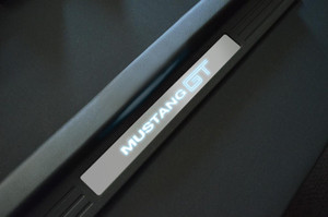 "CDC Illuminated Sill Plates ""Mustang GT"" (2005-13)"