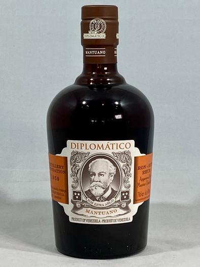 Diplomatico Mantuano Rum,  Venezuelan Rum, 70cl at 40% alc/vol. www.maltsandspirits.com/diplomatico-mantuano