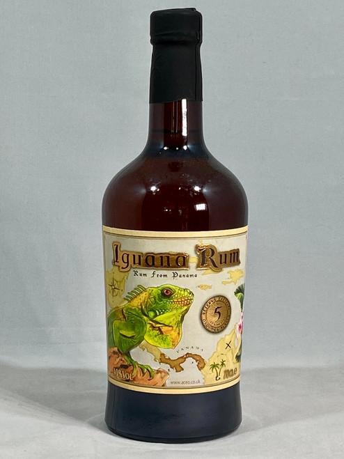 Iguana Rum 5 Year Old,  Rum from Panama, 70cl at 40% alc/vol. www.maltsandspirits.com/iguana-rum-5