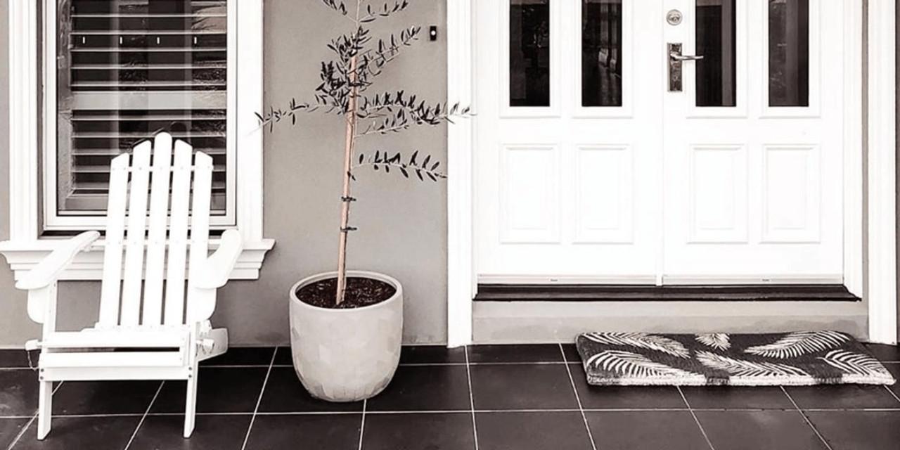 Door mat with fern print