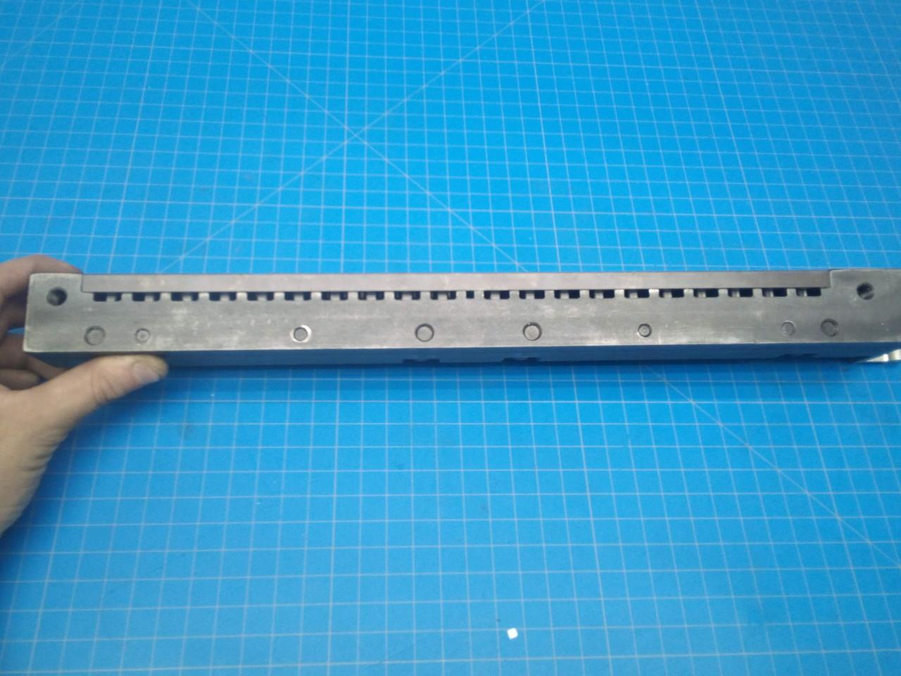 Rhin-O-Tuff 79070 Square 3:1 Paper Punch Die - P01-000060