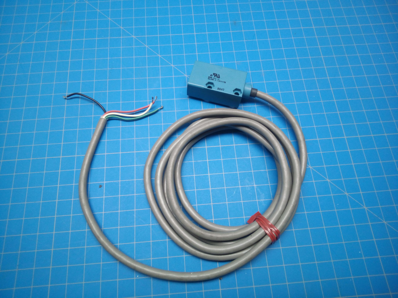 Honeywell Photoelectric Microswitch Sensor FE7C-DC6-M - P01-000099