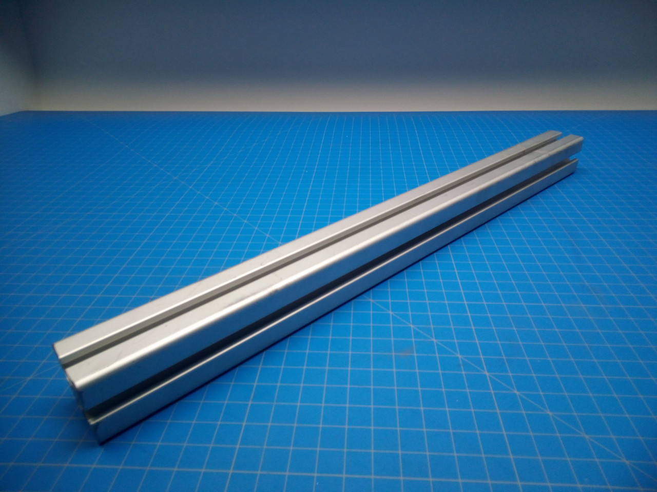 H&H Vacuum Transport Mail Table Mounting Rail - P02-000062